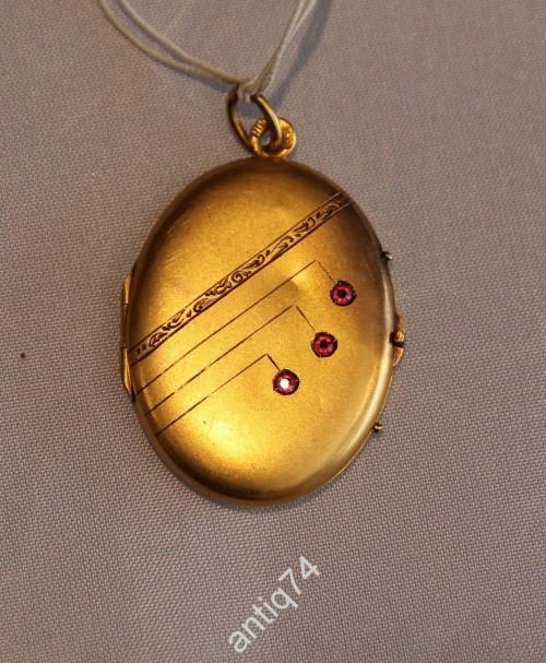 золотой кулон старинный