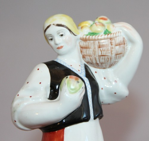сборщица яблок лфз