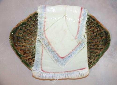 Блюдо Корзина с полотенцем, рушником. Кузнецов