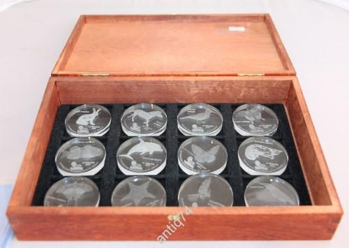 Монеты из стекла! Полный набор в коробке. 10 франков 2004г. Конго