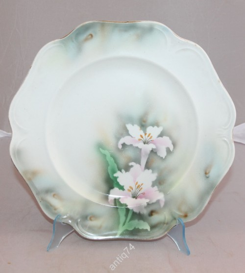 Тарелка Кузнецов. Крупные цветы