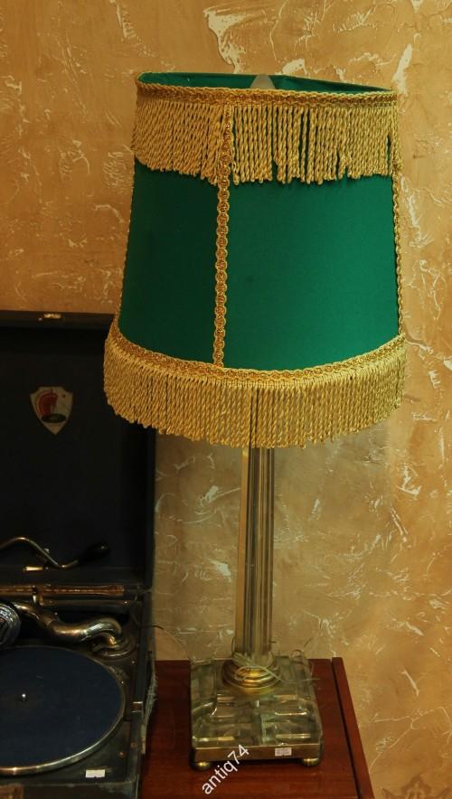 Высокая, красивая лампа. Стекло, пластик, бронза