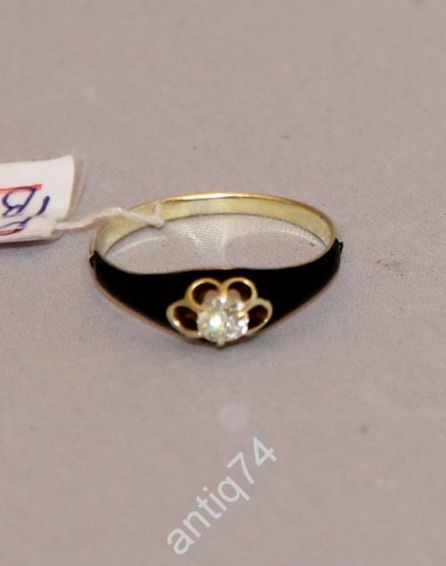 Кольцо с бриллиантом 0,24 карата и черной эмалью. Золото, 56 проба