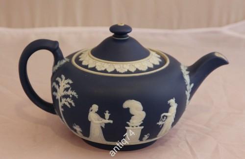 Большой заварочный чайник. Веджвуд. Англия
