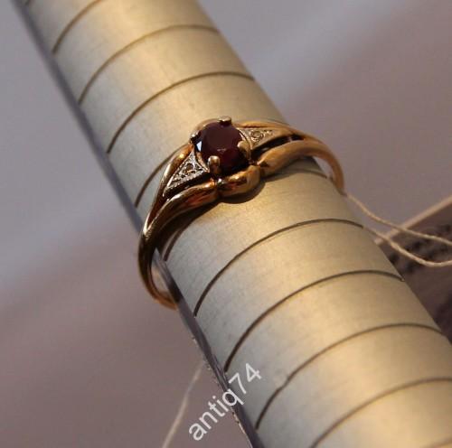 Кольцо с рубином 0,3 карата. Золото 585 пр