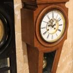 настенные часы в дубовом корпусе. Japy Freres. Заказные, с вензелем владельца