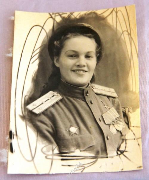 Фото. Девушка-летчик. Герой Советского Союза