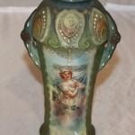 Красивая вазочка с женским образом. Европа, начало 20 века