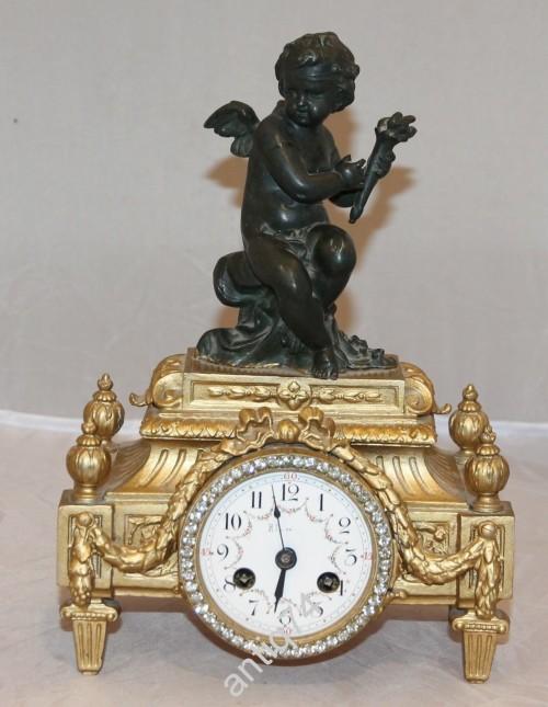 Часы каминные с ангелочком. Бронза, шпиатр