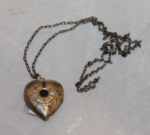 Кулон в виде сердца. 875 со звездой.