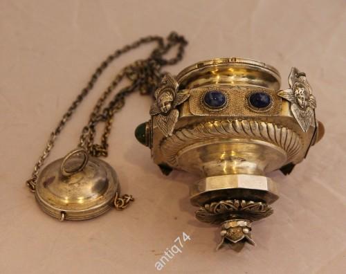 Большая серебряная лампада с камнями. Серебро, 84 пр
