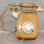 Советский настенный телефонный аппарат. Дерево. 89 год
