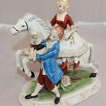 Кавалер с дамой на коне