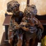 Настольная лампа. Дети с раковиной. Мальчик и девочка. Шпиатр.