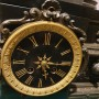 Большие каминные часы. Кавалер с дамой. Шпиатр. На ходу.