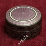 Серебряная таблетница с гильошированной эмалью. Западная Европа, нач. 20 в. Серебро 935 пр