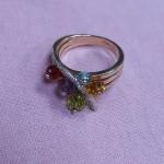Кольцо красивое, с камнями. Золото 585 пр.