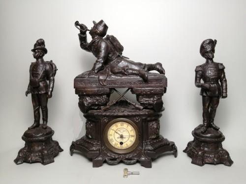 Часовой каминный гарнитур с фигурами солдат. Франция, начало ХХ века