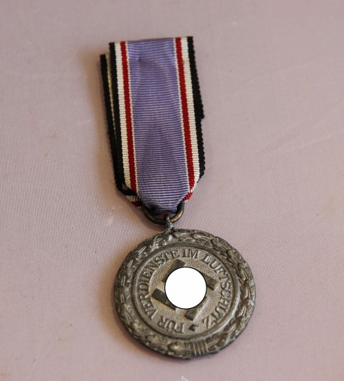 Медаль 1938г. Люфтшутц. 3й рейх