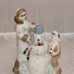 Зимний дворик снеговик лепят мама с ребёнком. Полонное Полонский ЗХК